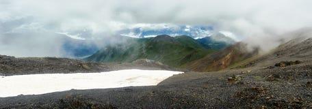 красивейшая панорама горы стоковая фотография rf