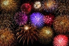 красивейшая победа ночного неба феиэрверков дня Стоковое Изображение RF