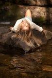 красивейшая представляя женщина Стоковая Фотография RF