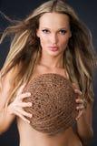 красивейшая сексуальная женщина резьбы пасма Стоковое Изображение RF