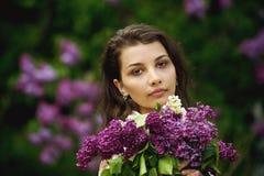 красивейшая сирень девушки Стоковые Изображения RF