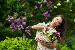 красивейшая сирень девушки Стоковые Фото