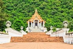 Красивейшая тайская церковь стоковое изображение rf