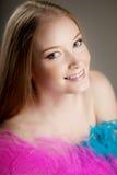 красивейшая цветастая девушка пер Стоковая Фотография RF