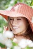 красивейшая цветя женщина садов половинная нагая Стоковая Фотография