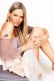 красивейшая шифоновая женщина платья Стоковое Фото