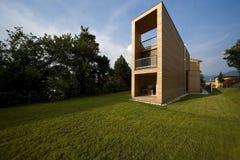 красивейшая экологическая дом outdoors Стоковые Изображения