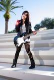 красивейшая электрическая гитара девушки 2 Стоковые Фотографии RF