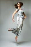 Красивейшая fairy девушка летания в голубом платье Стоковые Изображения RF
