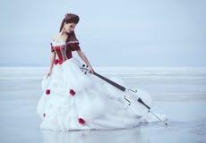 Красивейшее брюнет в платье Стоковое Изображение RF
