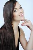 Красивейшее брюнет девушки с длинними волосами Стоковые Фото