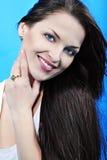 Красивейшее брюнет девушки с длинними волосами Стоковые Изображения RF