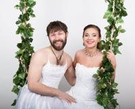 красивейшее венчание стиля причёсок способа невесты бородатый bridesmaid, невеста на качании Невеста в ужасе Стоковые Фотографии RF