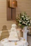 красивейшее венчание торта Стоковые Фотографии RF