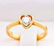 красивейшее венчание формы кольца сердца Стоковые Фото