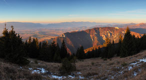 красивейшее голубое небо гор ландшафта Стоковые Фото