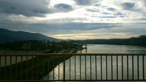 красивейшее лето неба реки ландшафта Стоковая Фотография RF