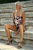 красивейшее лето девушки стоковые изображения rf