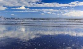 красивейшее море ландшафта Положение: Новая Зеландия Стоковые Изображения RF