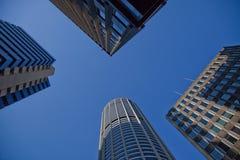 красивейшее небо здания стоковые изображения rf