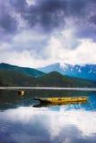 красивейшее озеро фарфора Стоковая Фотография