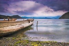 красивейшее озеро шлюпки Стоковые Изображения RF