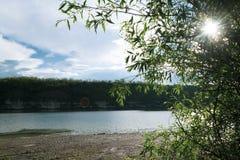 красивейшее река ландшафта Спокойное река с красочным reflecti неба Стоковое Изображение RF