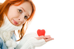 красивейшее сердце девушки одежд теплое Стоковое Изображение RF