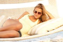 красивейшее солнце стекел девушки Стоковые Фото