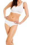 Красивейшее тело женщины в белом нижнем белье хлопка Стоковая Фотография RF