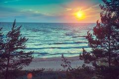 красивейше над заходом солнца лета съемки моря стоковое фото rf