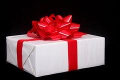 красивейше подарок на рождество обернул Стоковые Фото