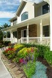 красивейше landscaped дом Стоковые Фото
