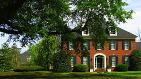 красивейше landscaped дом Стоковая Фотография