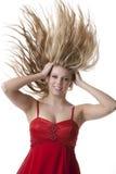 красивейшие белокурые волосы девушки летания подростковые Стоковая Фотография RF