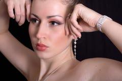 красивейшие блестящие женщины ювелирных изделий Стоковые Изображения RF