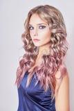 красивейшие волосы девушки длиной волнистые Стоковая Фотография RF