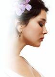 красивейшие волосы девушки цветков она Стоковое Фото