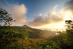 красивейшие горы сценарные стоковые изображения rf