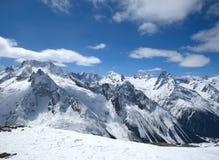 красивейшие горы caucasus высокие Стоковое Изображение RF