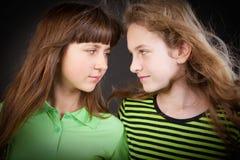 красивейшие девушки 2 детеныша Стоковое Фото