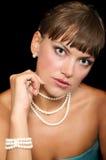красивейшие детеныши женщины перл стоковое изображение rf