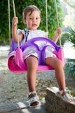 красивейшие детеныши качания девушки Стоковое Изображение RF