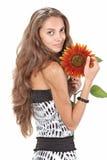 красивейшие детеныши солнцецвета удерживания девушки Стоковые Изображения