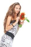 красивейшие детеныши солнцецвета удерживания девушки Стоковое Фото