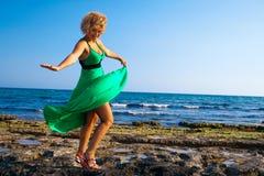 красивейшие играя женщины ветра Стоковые Фото