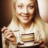 красивейшие, котор будут измененный обрамленный выпивать кофе имеют изображения мое портфолио фото для того чтобы огородить женщи стоковые фотографии rf