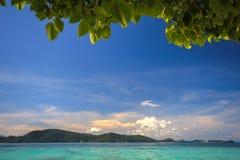 Красивейшие пляж, облако и море Стоковое Изображение RF