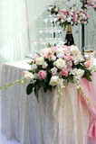 Красивейшие розовые цветок и шампанское Стоковые Изображения RF