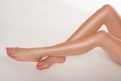 Красивейшие сексуальные женские ноги стоковые фотографии rf